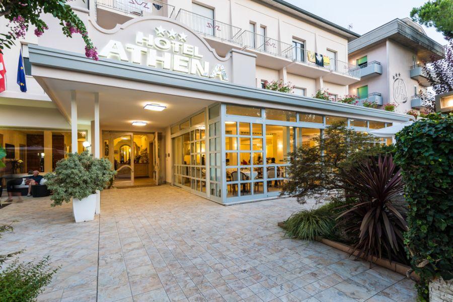 Viaggiare bene hotel Athena a Cervia